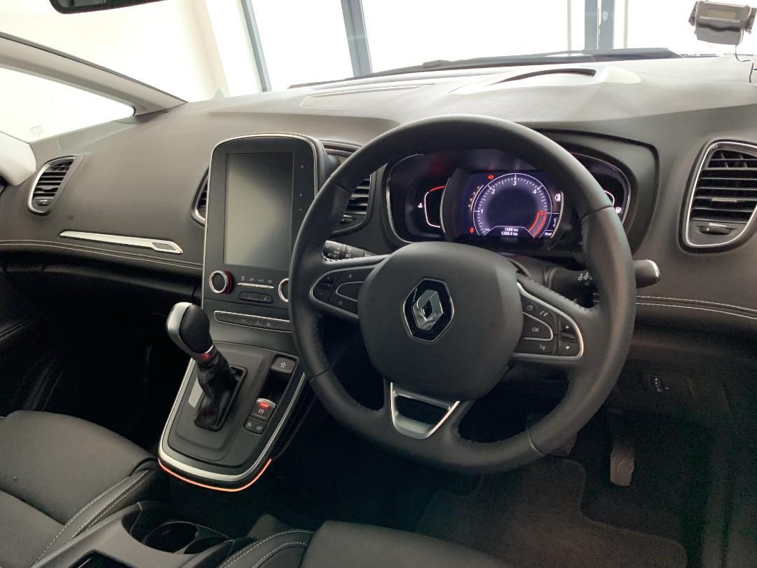 Renault Scenic Diesel 1.5DCI for Rental
