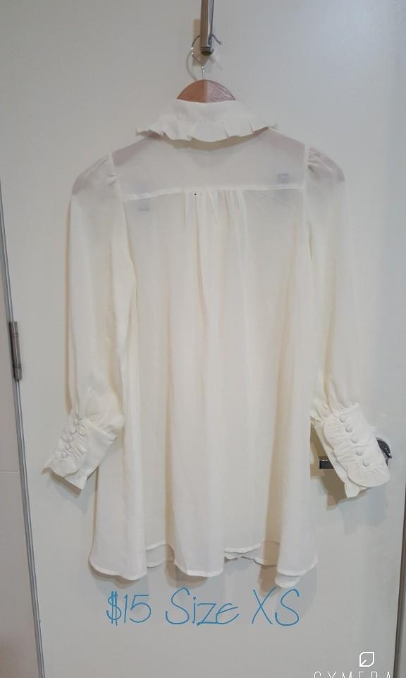 """Rixi Gaga""  Ivory Frill Cuffed Long Shirt/Short Dress (Size S)"