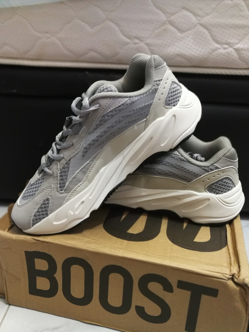 Yeezy boosy 700 price can nego