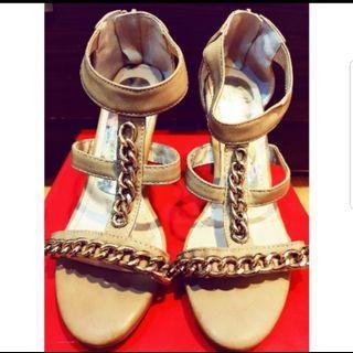 Avivi  裸米低跟造型羅馬鞋