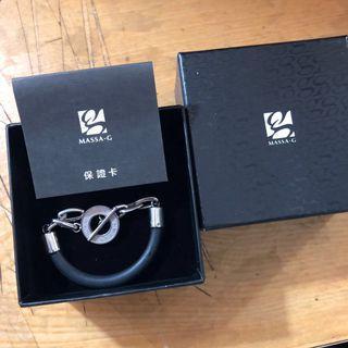Massa-G 手環