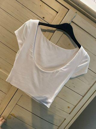 White kookai crop top