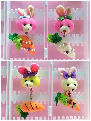 🚚 手作娃娃吊飾 — 兔+蘿蔔