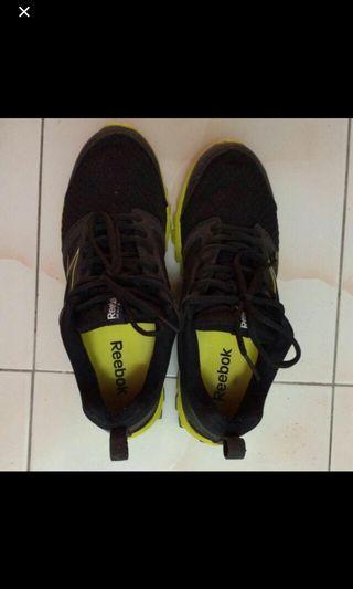 Reebox sport shoes