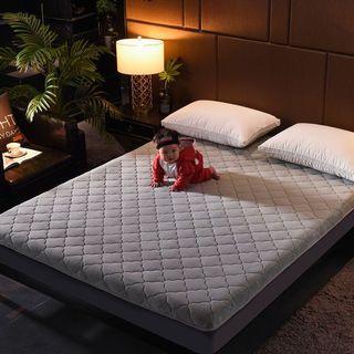 Foldable foam mattress (preorder)