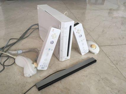Wii + remotes - excellent condition!