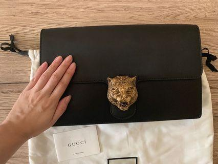 🚚 💯% Authentic Gucci Black Leather Clutch