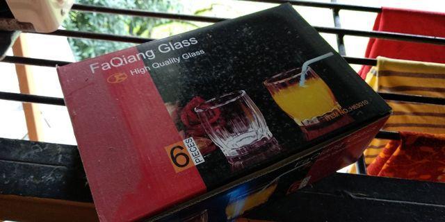 6 pieces glassware