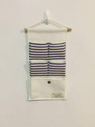 5 pockets storage hanger