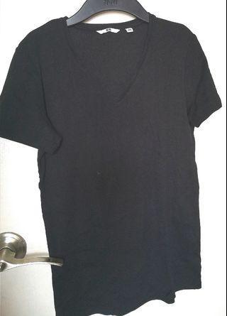 Uniqlo v-neck shirt black VGUC