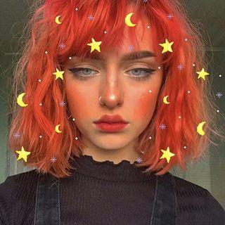 🚚 Red waves short wig