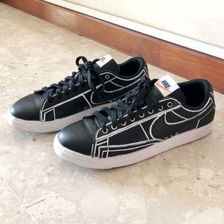 Authentic Nike LE Blazer Low Customised Sneakers