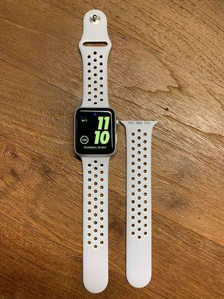 🚚 Apple Watch 2 Nike+ 42mm (NO LOWBALLER)