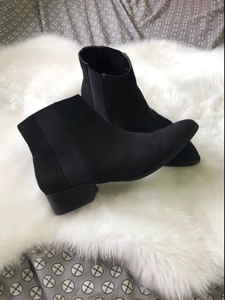 9f44bccbd372a chelsea boots men | Home & Furniture | Carousell Philippines