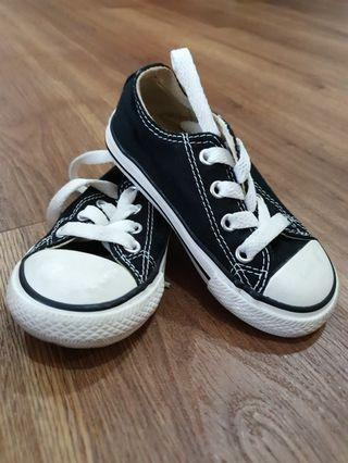 Converse Kids Sneakers Size 6