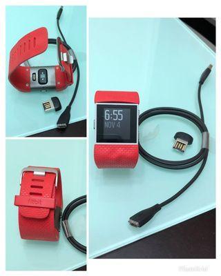 Fitbit Surge運動手錶