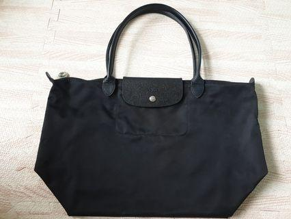 🚚 Large Longchamp Le Pliage Neo Bag