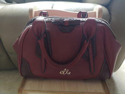 Elle maroon handbag