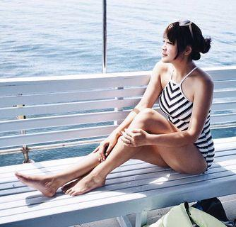 🚚 BNWT Black and White One Piece Swimsuit