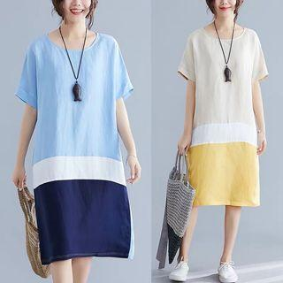 Long straight fashion dress in loose cotton skirt