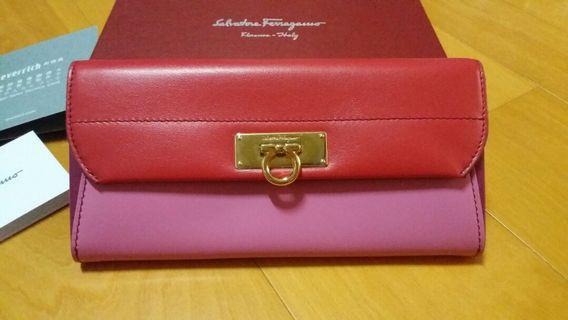 【Salvatore Ferragamo】粉嫩信封包長夾(全新)義大利製 真品