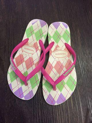 Pink Havaianas Slippers (Size33-34)