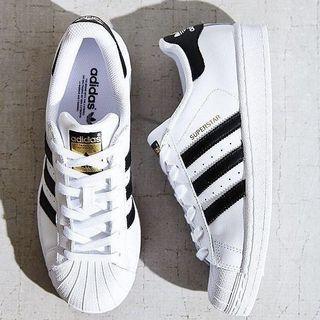 classic adidas superstar (used)