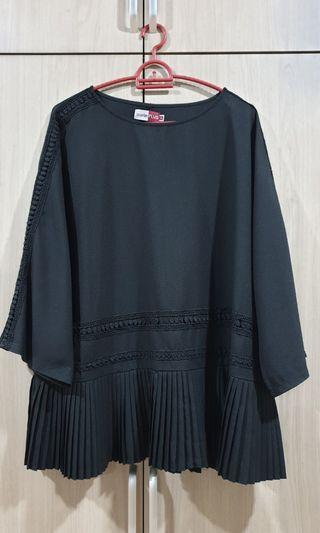 Plus Size Black Top Size UK18