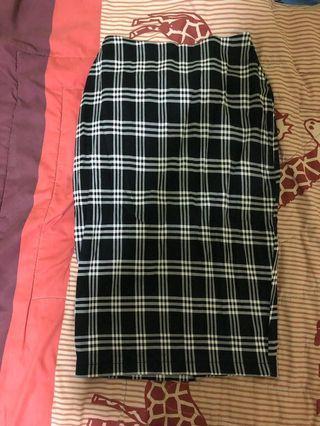 🚚 Checkered Midi Bodycon skirt