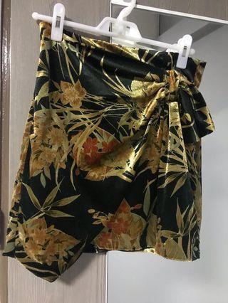 🚚 Zara wrap style velvet skirt