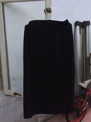 Black Skirt (rok hitam panjang)