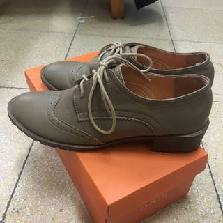 卡其色牛津鞋 24.5cm