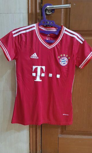 Jersey Bayern Munchen Wanita