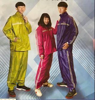 鱷魚牌 兩件式雨衣 男女適穿 M~3XL