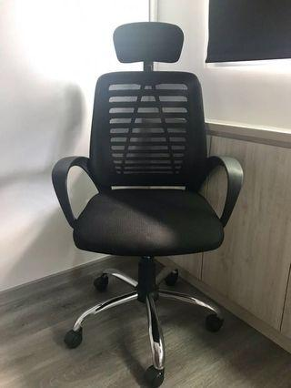 🚚 Office Swivel Chair (from Vhive)