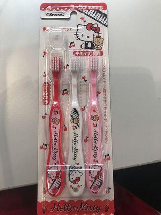 日本Hello Kitty 牙刷(3-5歲用) 3枚