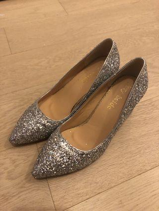 結婚用品 婚鞋 銀色閃閃高跟鞋 pre wedding big day粗跟尖頭 (8cm 跟高) 尺碼36
