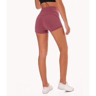 🚚 (免運) 高腰修身健身翹臀短褲 Shorts