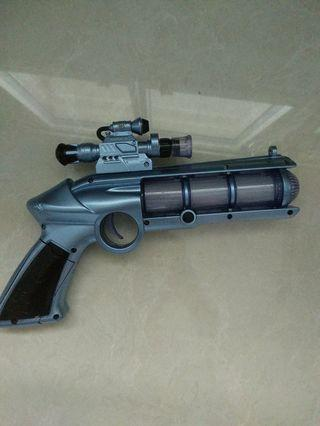 Toy gun with light and sound