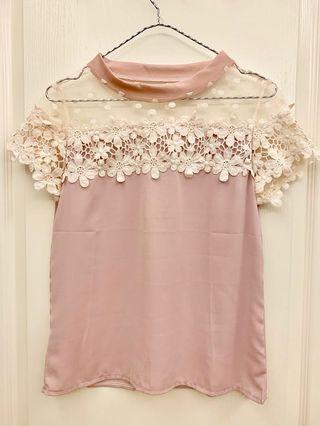 轉賣AMJ 氣質蕾絲拼接紗網雪紡上衣 粉色
