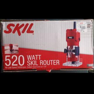 Skil Router (520W) with 4 cutter $68