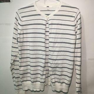 Outer stripes white