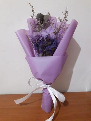 紫棉花索拉花束