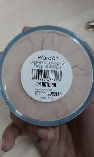 Bedak Wardah shades Natural