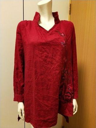 🚚 大紅色棉麻繡花長版上衣