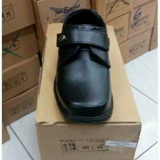 Sepatu pantopel anak