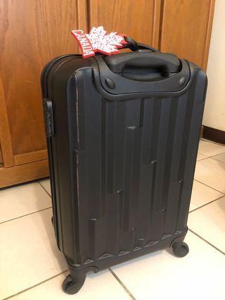 🚚 二手 台新信用卡 21吋行李箱 9成新