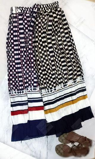 *Instock* Brand New Geometric print pleated skirt