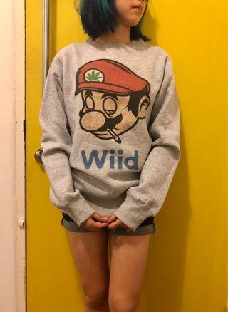 🚚 Cute Mario Sweater / Pullover (Wiid/weed pun)