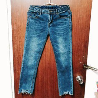 超顯瘦彈性貼身牛仔褲